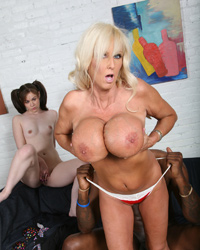 Tia Gunn And Hotty Cakes
